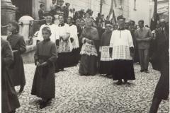 1938c._D.Giacomo__D._Manfredi__D._Mario__Vescovo_D._Gregorio-319