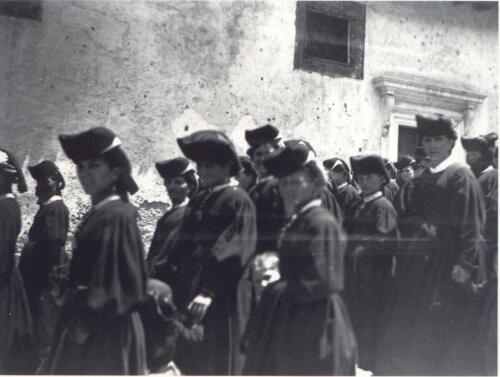 Corteo dietro al Vescovo P.zza S. M. della Valle-353